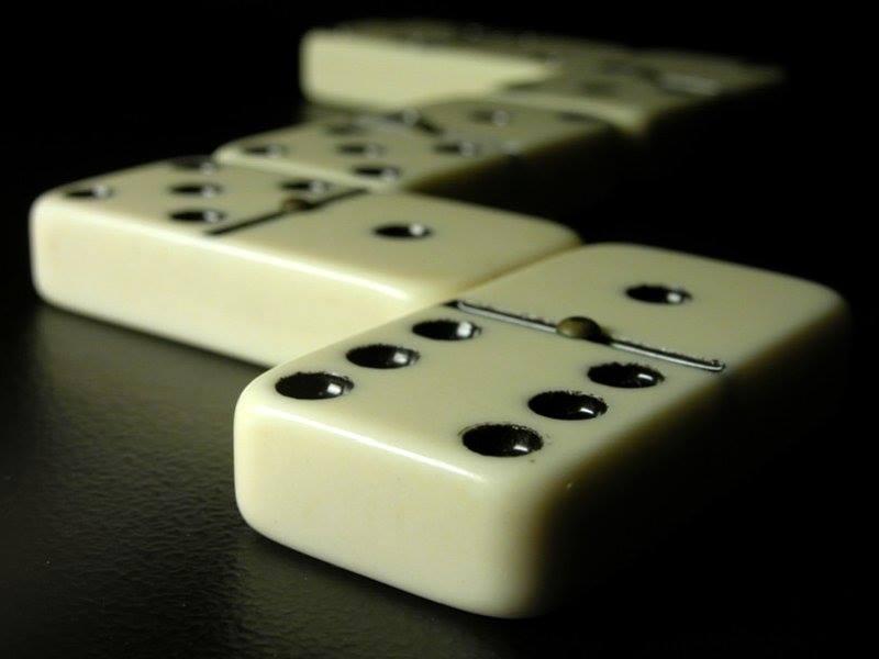 domino, osteria babazuf siena, osterie siena, manigare a siena, divertimenti a tavola, giochi da tavola