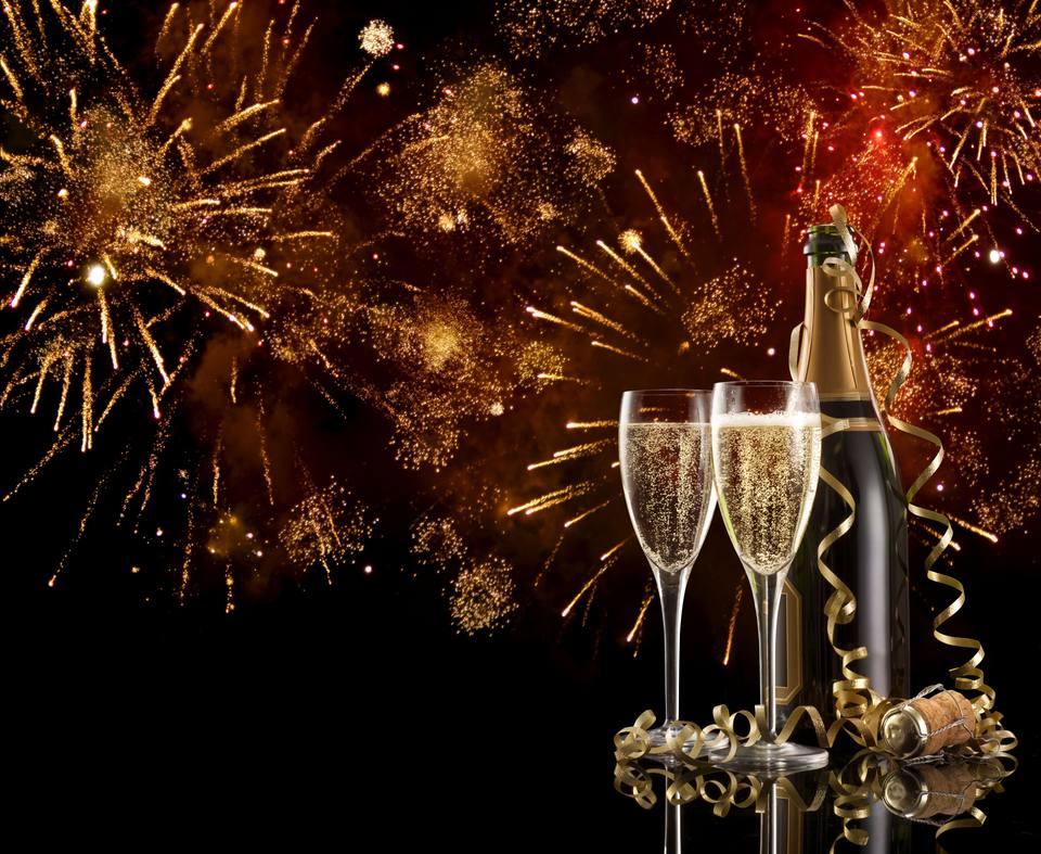 fireworks-champagne-56a238cd3df78cf772736728